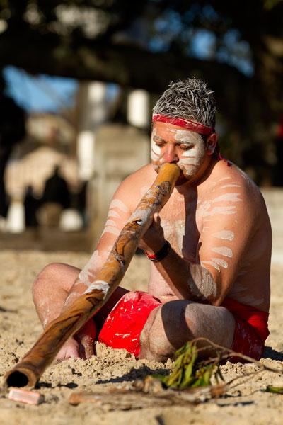 Dwayne Bannon plays the Didgeridoo